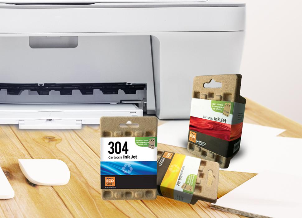 Cartucce e stampante su scrivania