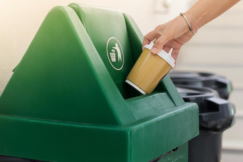 Eco Store consiglia di riciclare anche fuori casa